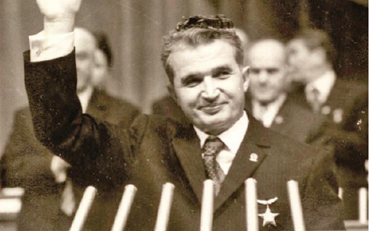 ceausescu Soc si groaza! Se cere canonizarea lui Ceausescu!