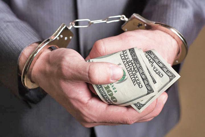 coruptie Inainte de a ne ucide, coruptia ne lasa lefteri