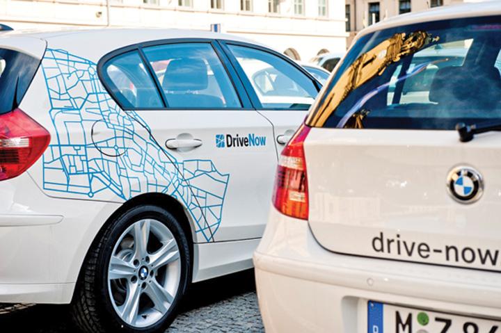 drivenow Se unesc rivalii: Mercedes bate palma cu BMW