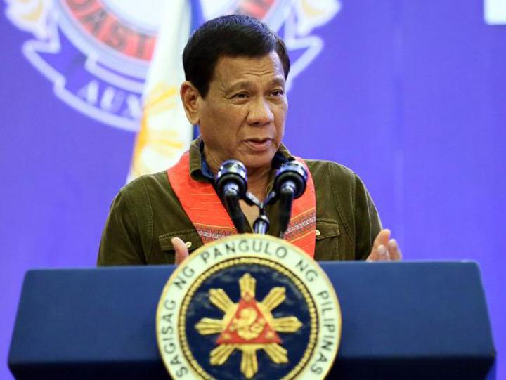 filipine presedinte Presedintele filipinez cere armatei sa l impuste