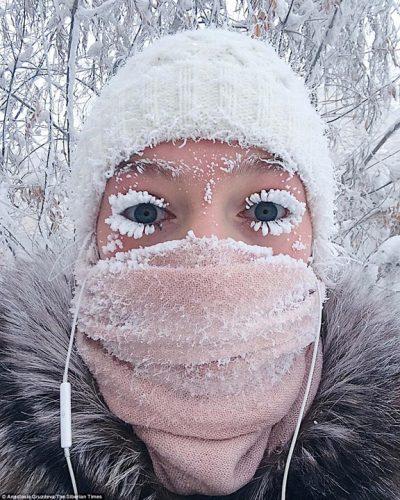 frig 400x500 Viata la minus 62 de grade