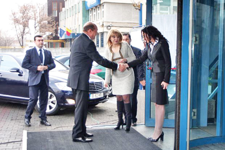 haineala 1 Basescu, salvat de ciroza de SPP!