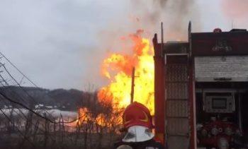 incendiu 350x211 Incendiu la o teava de gaz, in Gorj