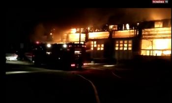 incendiu garaj 350x211 Autobuze distruse. Incendiu puternic cu urmari pentru transportul public din Tulcea