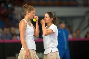 irina monica 1 350x233 Begu si Niculescu s au oprit in semifinalele de dublu de la Melbourne