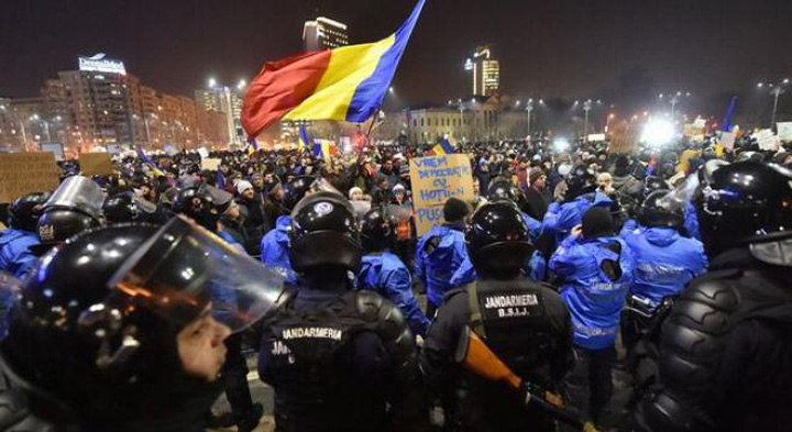 jandi Serviciile o vor ca la Kiev!