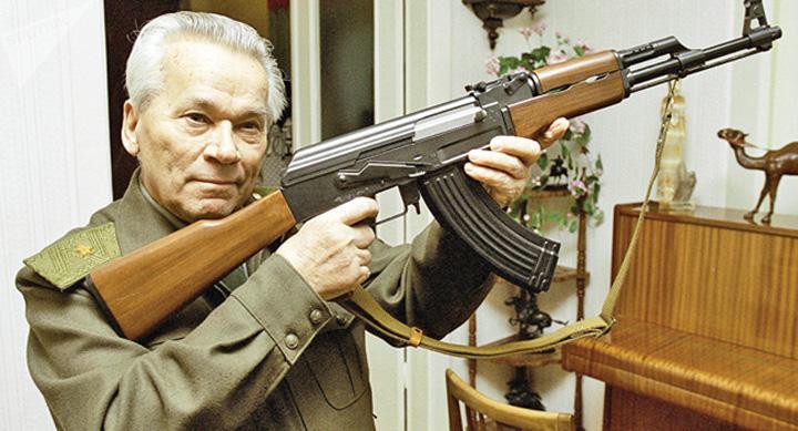kalasnikov Rusia spune adio Kalasnikovului