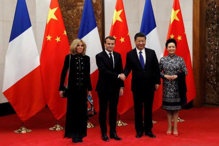 macron 2 Calul Macron invinge dragonul chinez