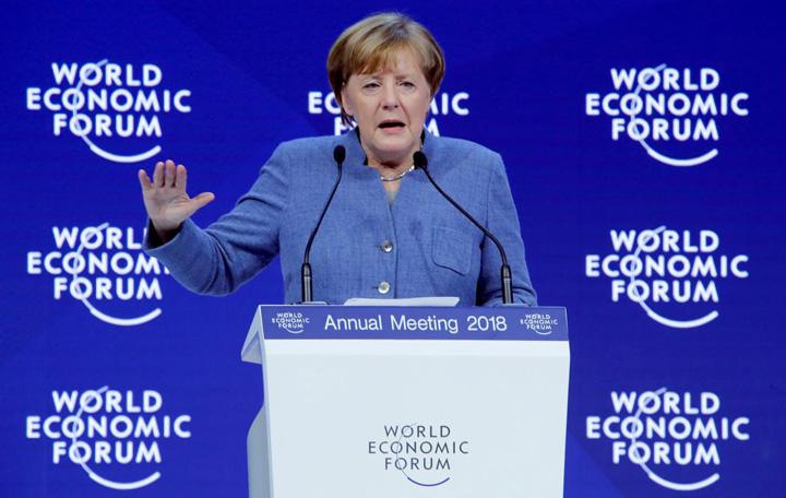 merkel Merkel il ataca pe Trump la Davos