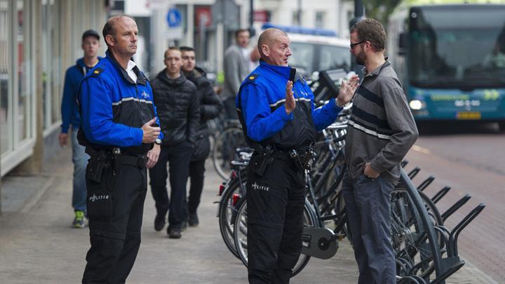 olanda politie Politia olandeza o da in prostie