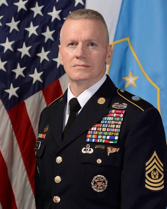pentagon 1 Pentagonul: Ucideti ISIS cu cazmaua