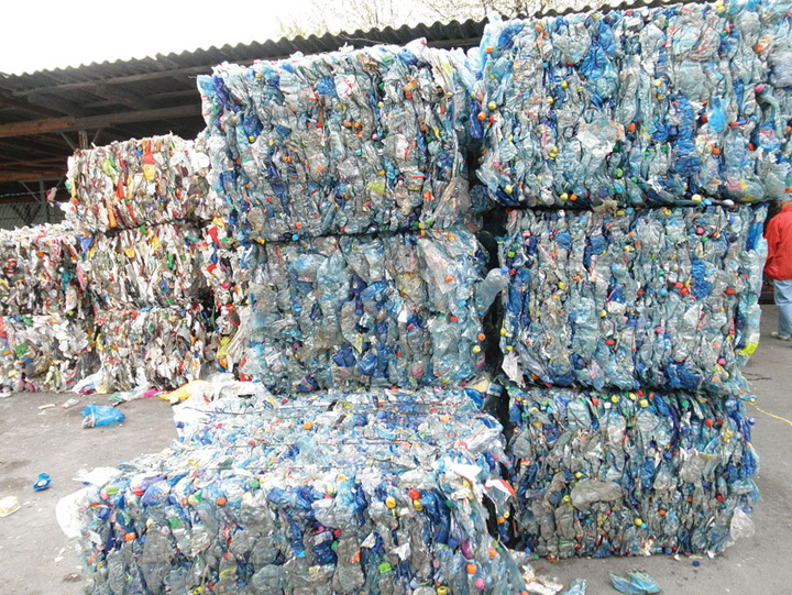 plastic UE incepe razboiul  cu plasticul