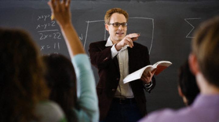 "profesori scoala ""Locomotiva"" UE are nevoie de...profesori"