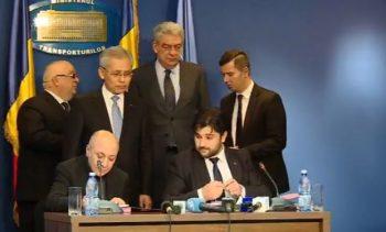 semnare contract 350x211 UPDATE. Tudose, alaturi de ministrul Stroe, inaintea CEx ului PSD. Mesajul premierului