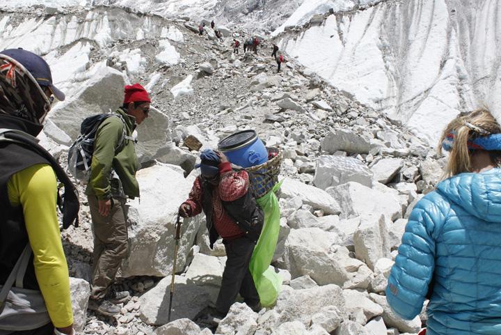 serpasi Pana si Everestul are probleme