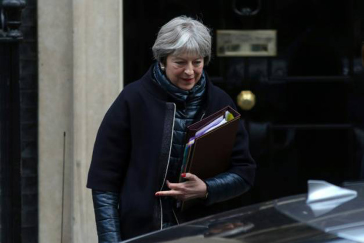 theresa may Londra aproba iesirea din UE