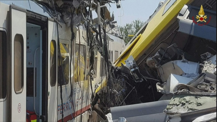 tren1 Grav accident feroviar in Italia