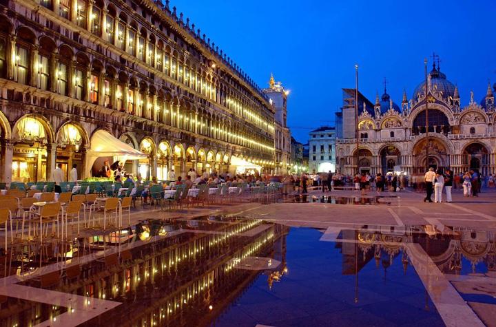 venetia Romantica Venetie tepuieste turistii