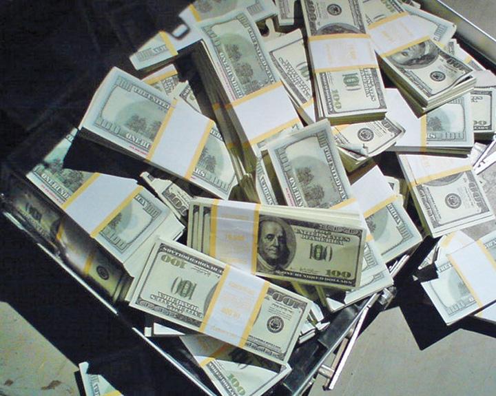 bani Cati bani iti trebuie ca sa fii fericit