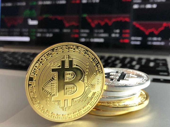 bitcoin Se prabuseste piata criptomonedelor
