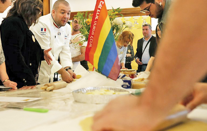 chef1 Chef ul de la Elysee ii invata meserie pe tinerii gay din Israel