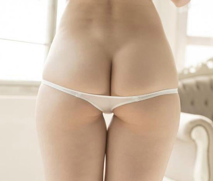 chiloţi 2 Chiloteii care iti fac fundul frumos
