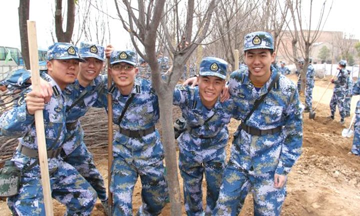 china medalion 720x432 Armata ecologica a Chinei