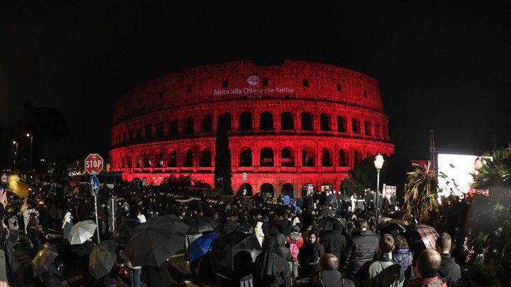colosseum 720x405 Colosseumul, scaldat in culoarea sangelui