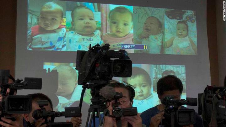 copii surogat Are 13 copii din mame surogat