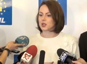 deputat 350x256 Liberalii ameninta cu o motiune impotriva Olgutei Vasilescu