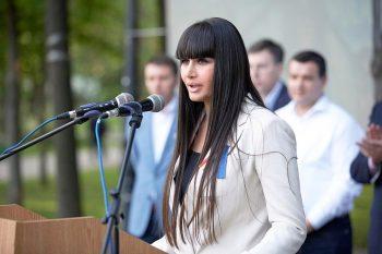 elena 350x233 Elena Basescu confirma ca asteapta al treilea copil