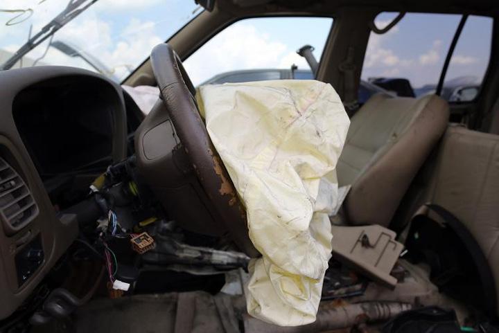ford Airbaguri, Ford alerteaza 33.000 de proprietari