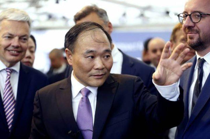 miliardar 720x479 Un miliardar chinez, principalul actionar la Daimler