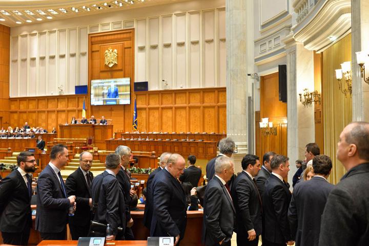 parlamentari Trecutul membrilor CSM, top secret pentru parlamentari