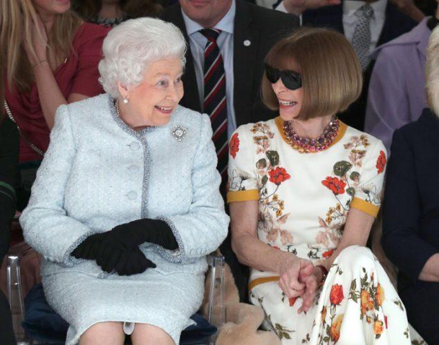 regina 2 635x500 Regina Elisabeta a II a la Saptamana Modei
