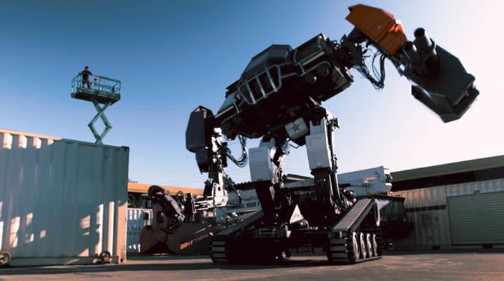roboti giganticiD Robot rusesc de lupta, construit de liceeni romani
