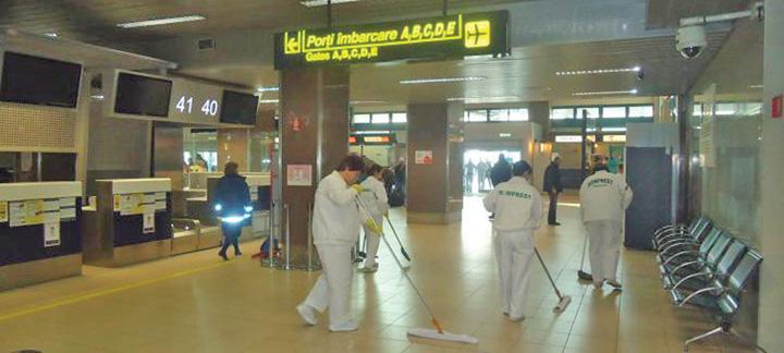 romprest aeroport Aeroportul Otopeni a ramas in mizerie