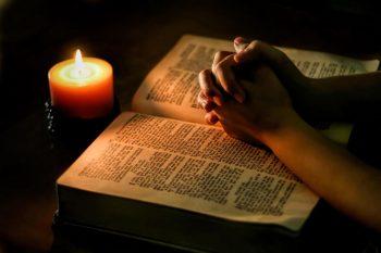 rugaciune 350x233 Duminica in care se lasa sec de carne, pentru Postul Sfintelor Pasti