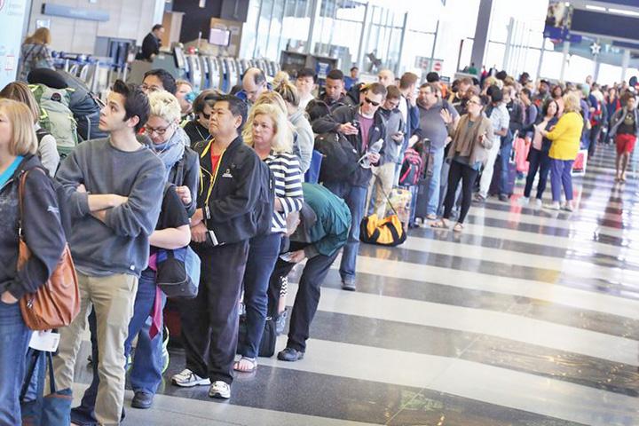 turisti Culmea economiei de piata: turistii romani isi vor plati singuri despagubirile!