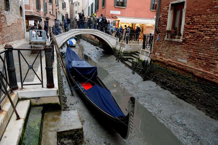 venetia 2 Venetia pe sec