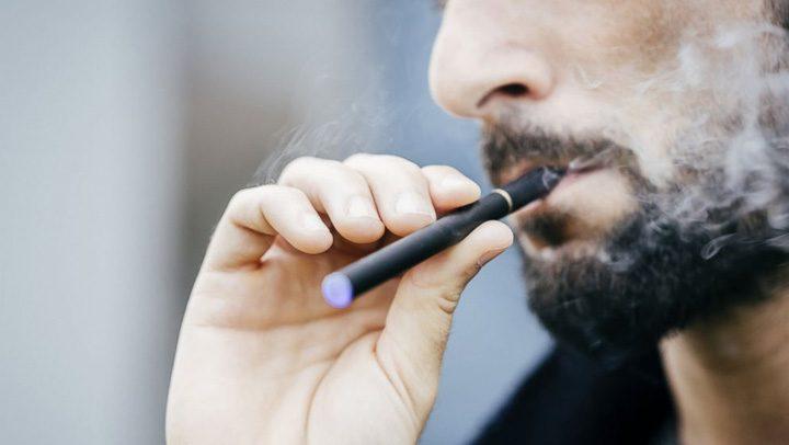 GTY electronic cigarette sr 140423 16x9 992 720x406 Arafat sare la gatul colosilor tutunului