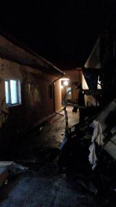TIR incendiu 169x300 Incident grav. Tineri pe mana medicilor, cu arsuri, dupa ce TIR a luat foc