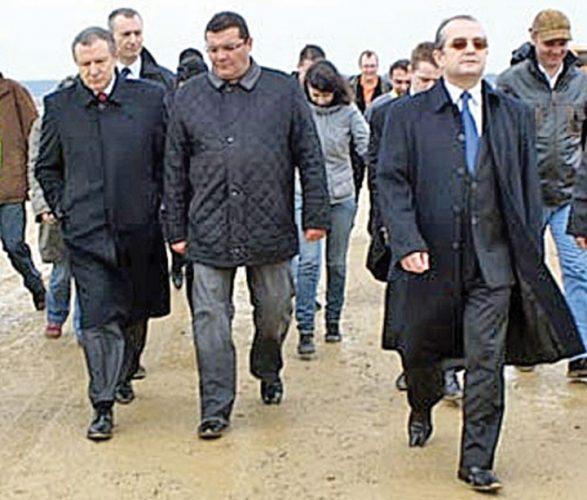 """besciu 587x500 """"Miliardarul falit"""" il mulge pe """"omul lui Basescu""""!"""