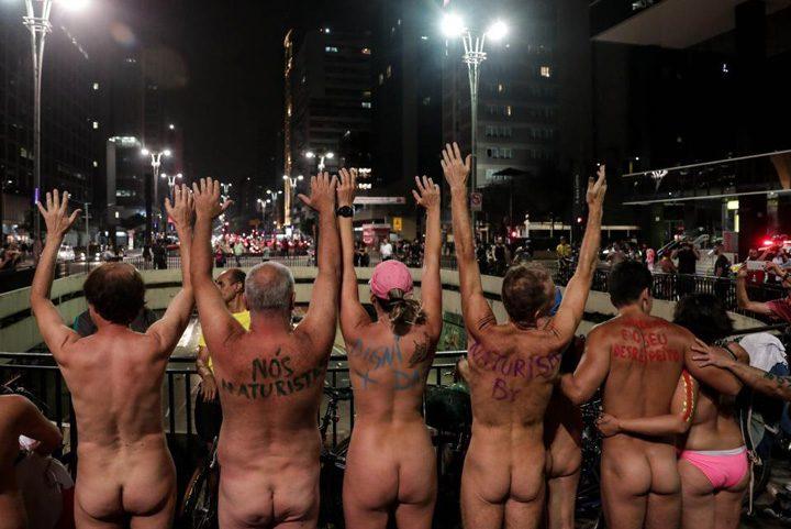 biciclisti 4 720x481 Protest in fundul gol al biciclistilor brazilieni