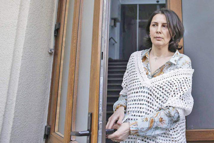 bombonica prodana 720x481 Gelozia il scoate in ofsaid pe Dragnea