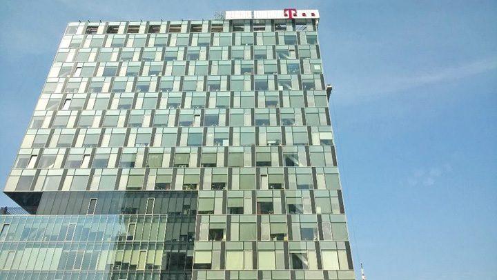 cladirea telekom romania 720x406 Telekom baga gunoiul sub pres