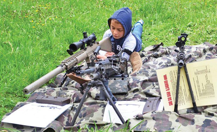 elevi armatapg 720x439 Armata vrea elevi!