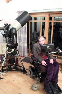 fizician 200x300 A murit celebrul fizician Stephen Hawking