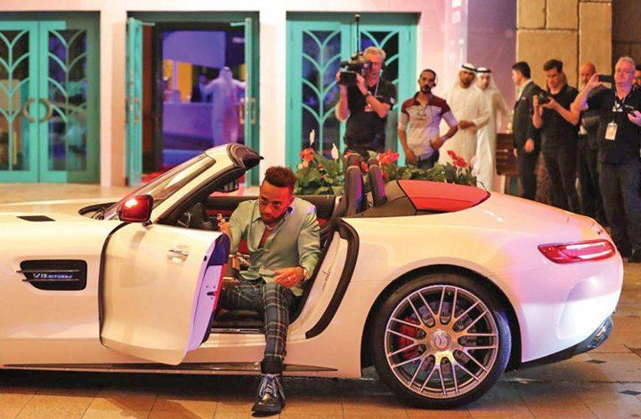 hamilton 720x471 Cel mai bun profesor din lume, premiat cu 1 milion de dolari de seicul Dubaiului