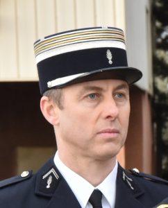 jand 242x300 A murit jandarmul care a impresionat prin eroismul sau, in timpul atacului din Franta